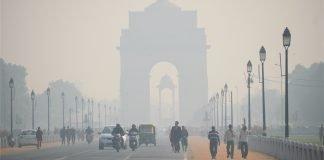 Delhi - India gate in smog